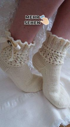 Knitting Stitches, Knitting Socks, Baby Knitting, Knitting Patterns, Lace Socks, Wool Socks, Crochet Quilt, Knit Crochet, Knitted Socks Free Pattern