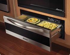 Warming drawer under oven, great idea to keep food hot!