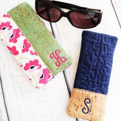 3 Fast and Easy Cork In the Hoop Scrap buster projects for those who save every last inch. Mug mat, eye glass case, ear bud wrap, cord wrap and ipad tech gear projects. Sewing Blogs, Sewing Basics, Sewing For Beginners, Sewing Tutorials, Sewing Patterns, Sewing Projects, Sewing Ideas, Machine Embroidery Projects, Embroidery Designs