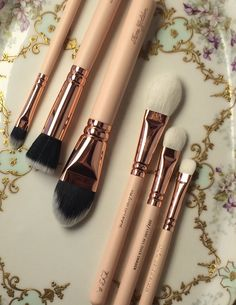 Zoeva Rose Golden Brush Review — GLOSSIBLE