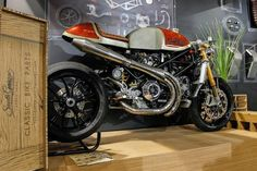 BRS photoblog 46-2014- custom,classic, racing motorcycles and caferacers. http://bitubo-raceservice.blogspot.nl/