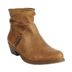 tallgirltales:    Another pair of ankle boots I'll need to check out. Take 25% off with code BOOT25 at Steve Madden.