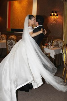 Pesquisa Google Vejam que beleza o casamento, no Rio, de Roberta Marquez, a Primeira Bailarina do Royal Ballet de Londres!