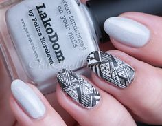 Stamping Nail Art using piCture pOlish: LakoDom and Bundle Monster plate
