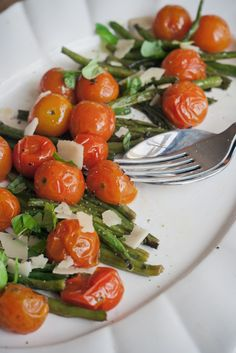 roasted green beans and cherry tomatoes | london bakes