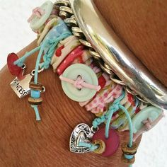 Sew Simple Bracelet tutorial must try! @Kim at eCrafty.com #ecrafty #diybracelets #braceletsupplies
