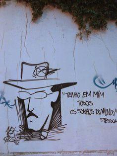 Fernando Pessoa   Tenho em mim todos os sonhos do mundo Portuguese Language, Sheep, Literature, Street Art, Alice, Illustration Art, Inspirational Quotes, Thoughts, Bedroom