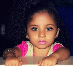 Pretty eyes, cute little girl