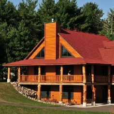 White's Wildwood Retreat - Chippewa Falls, WI:    Self-service private retreats accommodating up to 21 guests in the Wildwood Lodge and up to 12 guests in the Wildwood Cabin.  Hosted weekends also available.