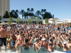 Big pool party at Wet Republic