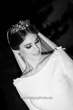 crystal jeweled wedding crown vell wedding dress