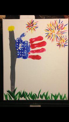 Handprint Idea - July: patriotic Handprint art of July, kids craft, america, fireworks, summer craft Daycare Crafts, Toddler Crafts, Summer Crafts, Holiday Crafts, Crafts To Do, Arts And Crafts, Kid Crafts, Footprint Crafts, Handprint Art