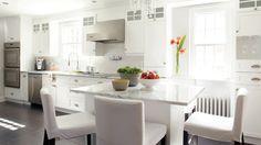 Dame blanche   Les idées de ma maison Decoration, Fan, Kitchen, Table, Furniture, Home Decor, Classic White Kitchen, New Kitchen, Dekoration