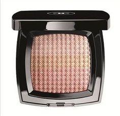 Chanel, il make up Les Aquarelles  Cos'è? Cipria o illuminante?