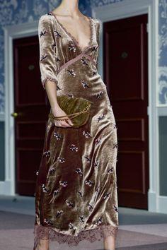 louis vuitton look 15 Runway Fashion, Boho Fashion, High Fashion, Womens Fashion, Fashion Design, Paris Fashion, Fall Fashion, Style Fashion, Fashion Details