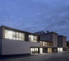 Galería de Centro comunitario Regina Pacis / Iotti + Pavarani Architetti - 4