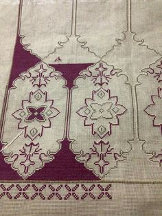 This post was discovered by Ma Embroidery Art, Embroidery Patterns Free, Cross Stitch Embroidery, Cross Stitch Charts, Cross Stitch Designs, Cross Stitch Patterns, Needlepoint Stitches, Needlework, Palestinian Embroidery