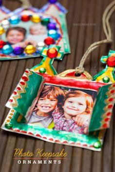 DIY Photo Keepsake Ornament for Christmas, via @darielacruz
