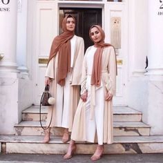 Neutral hijab abaya style-How to renew your style with hijab – Just Trendy Girls Abaya Fashion, Indie Fashion, Muslim Fashion, Modest Fashion, Trendy Fashion, Abaya Mode, Mode Hijab, Abaya Style, Komplette Outfits