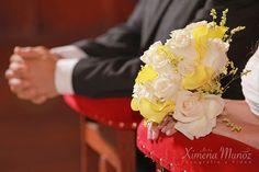 Ramo Novia / Bride Bouquet / Ideas Matrimonio / Wedding ideas Bride Bouquets, Wedding Ideas, Crown, Wedding Bouquets, Boyfriends, Bridal Bouquets, Corona, Crowns, Wedding Ceremony Ideas