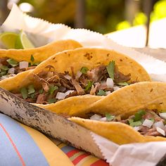 Barbacoa De Res (Shredded Beef Tacos)