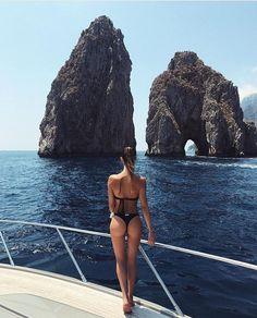 "5,111 Likes, 108 Comments - Garotas de Grife (@garotasdegrife) on Instagram: ""✨ what a day! • #summervibes"""
