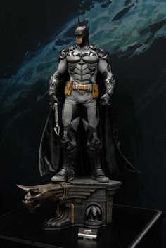 2015 San Diego Comic-Con (SDCC) Photo Coverage for Sideshow Collectibles Dc Action Figures, Batman Figures, I Am Batman, Batman Art, Dc Comics Art, Batman Comics, Nightwing, Batgirl, Statues