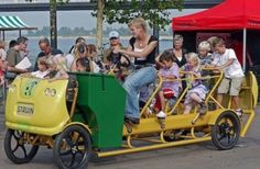 """""""Vélobus"""" : le premier bus scolaire pédalé par les enfants"""