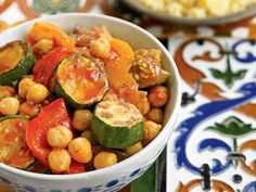Mediterranean Diet Chickpea Stew with Eggplants, Tomatoes, and Peppers - 20 ridiculously healthy recipes that taste amazing Chickpea Stew, Chickpea Recipes, Vegetarian Recipes, Healthy Recipes, Healthy Foods To Eat, Healthy Cooking, Healthy Eating, Cooking Recipes, Cooking Tips