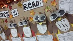 The Sunny Spot: WHOOO loves to read? Another seasonal bulletin board craft!