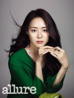 Lee Yeon Hee proves she doesn't need much makeup to look good in 'Allure' | allkpop.com