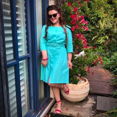 A Pretty Turquoise Dress… 🦋🙌😻 – Donna Does Dresses Fashion Wear, Retro Fashion, Spring Fashion, Mustard Pants, Turquoise Dress, Pin Up Style, Covered Buttons, Simple Dresses, Wrap Dress