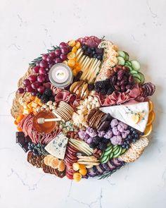Charcuterie Spread, Charcuterie Recipes, Charcuterie Platter, Charcuterie And Cheese Board, Cheese Boards, Charcuterie Picnic, Party Food Platters, Cheese Platters, Antipasto