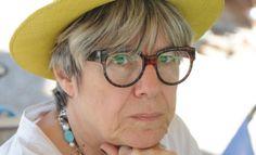 Η Κώστια Κοντολέων απαντά στο ερωτηματολόγιο του L Round Glass, Literature, Glasses, Literatura, Eyewear, Eyeglasses, Eye Glasses