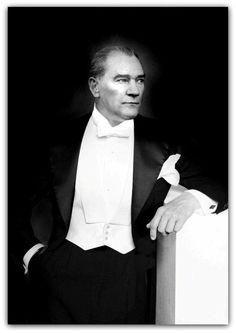 Mustafa Kemal Atatürk (Erdinç Bakla archive)