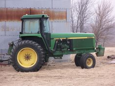 177hp John  Deere 4760 2 wheel drive tractor.40 years ago this was as big as 2 wheel drive that you could buy