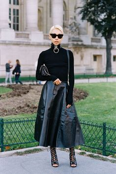 How To Wear A Black Turtleneck: 15 Inspiring Outfit Ideas