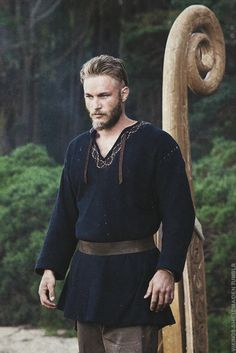 """"""" A young Viking warrior and farmer, Ragnar believes he is destined for greatness. Frustrated by the restrictive policies of his local chieftain, Earl Haraldson, he is convinced that great riches lie..."""