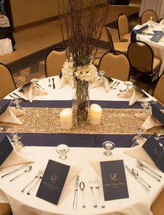 30 Navy Blue and Gold Wedding Color Ideas - Wedding Decor - tischdekoration hochzeit Wedding Table Linens, Wedding Reception Tables, Wedding Table Decorations, Wedding Table Settings, Place Settings, Centerpiece Ideas, Reception Ideas, Navy Centerpieces, Round Table Settings