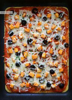 Pizza socca con harina de garbanzos. Receta fácil, vegetariana y sin gluten Lunch Recipes, Breakfast Recipes, Dinner Recipes, Cooking Recipes, Healthy Recipes, Healthy Meals, Healthy Food, Sin Gluten, Gluten Free
