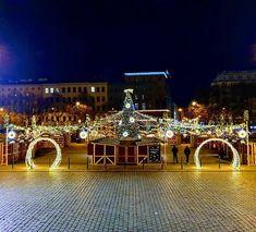 #namestimiru #christmasmarket #christmaslights #prague #praha #czechia #czechrepublic Czech Republic, Prague, Christmas Lights, Opera House, Building, Travel, Instagram, Christmas Fairy Lights, Viajes