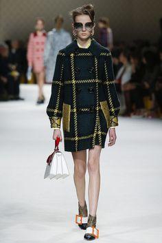 2015-16秋冬プレタポルテコレクション - ミュウミュウ(MIU MIU)ランウェイ|コレクション(ファッションショー)|VOGUE