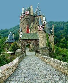 Burg Eltz Castle, Between Koblenz and Trier, Germany