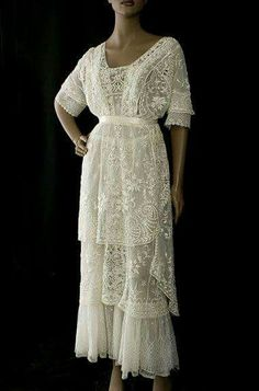 Lace tea dress
