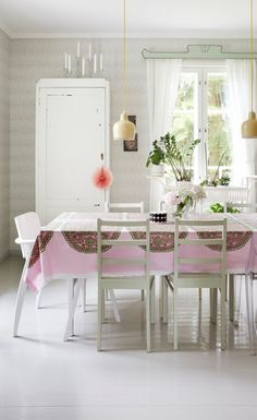 The harmony & peace felt in this kitchen. Cottage Design, Wooden House, Marimekko, Home Fashion, Detached House, Kitchen Interior, My Dream Home, Beautiful Homes, Dining Table