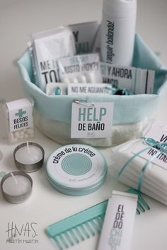 Help de Baño, amenities para toilette de casamiento, canastito de baño Diy Wedding, Wedding Gifts, Wedding Day, Wedding Bathroom, Baby Shower Deco, Ideas Para Fiestas, Party In A Box, Team Bride, Spa Party