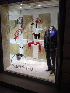 New shop window display in Rue François 1er  #dormeuil #dormeuilmode #shopwindow #mensfashion #fashion #collection