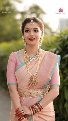 Top 5 South Indian Wedding Saree Trends Actress Colors Swati Wearing Pastel color pink saree for her wedding Bridal Sarees South Indian, Indian Bridal Outfits, Indian Bridal Fashion, South Indian Bride Jewellery, South Indian Makeup, Kerala Jewellery, Indian Fashion Trends, South Indian Weddings, India Jewelry