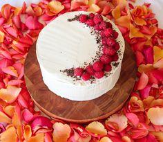Champagne Cake | I Want to Bake