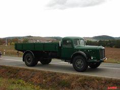 ŠKODA 706 R VALNIK Tractors, Antique Cars, Trucks, Czech Republic, Vehicles, Roman, Yard, Ideas, Commercial Vehicle